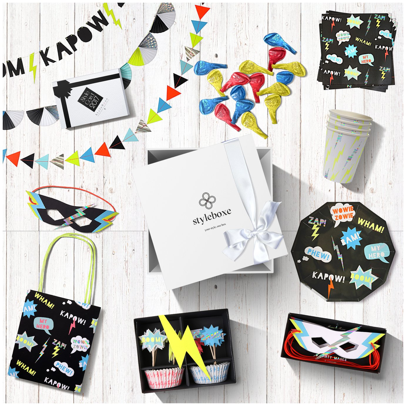 Superhero Go! Party Decorations Set for 16 Guests