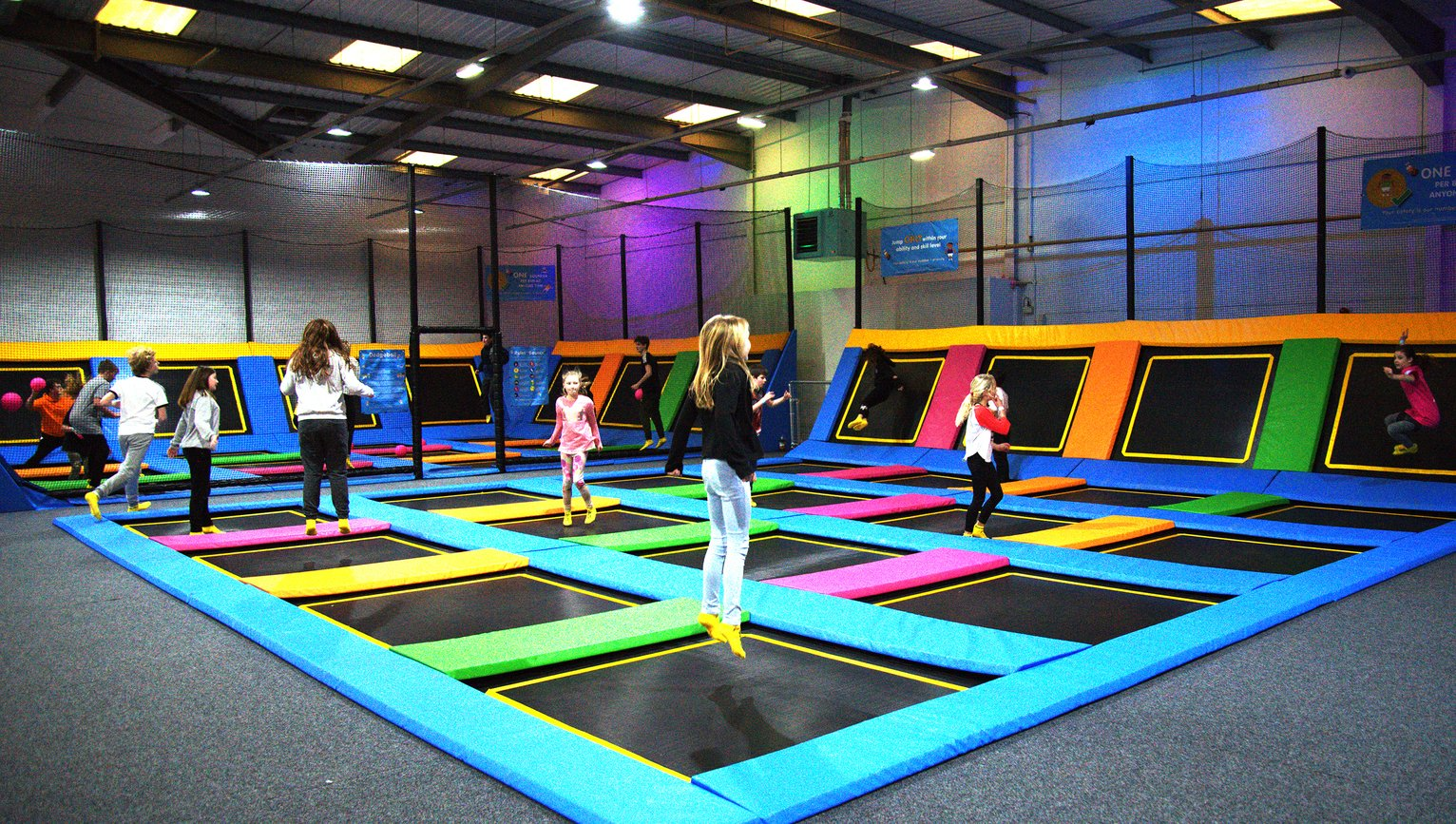 activity-superstore-jump-around-urban-trampolining-for-two