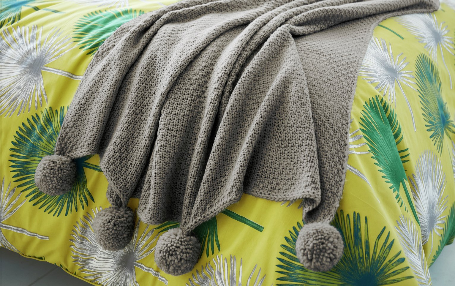 Image of Appletree Sula Throw - 130x160cm - Grey
