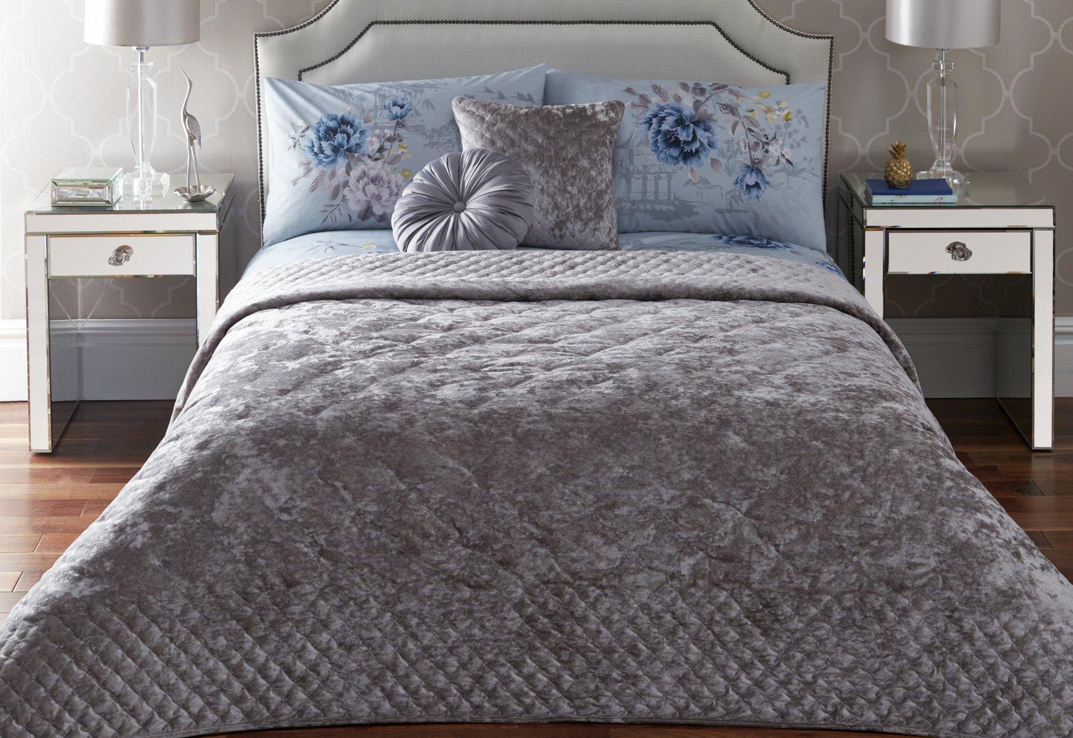 Image of Appletree Kori Bedspread - Silver