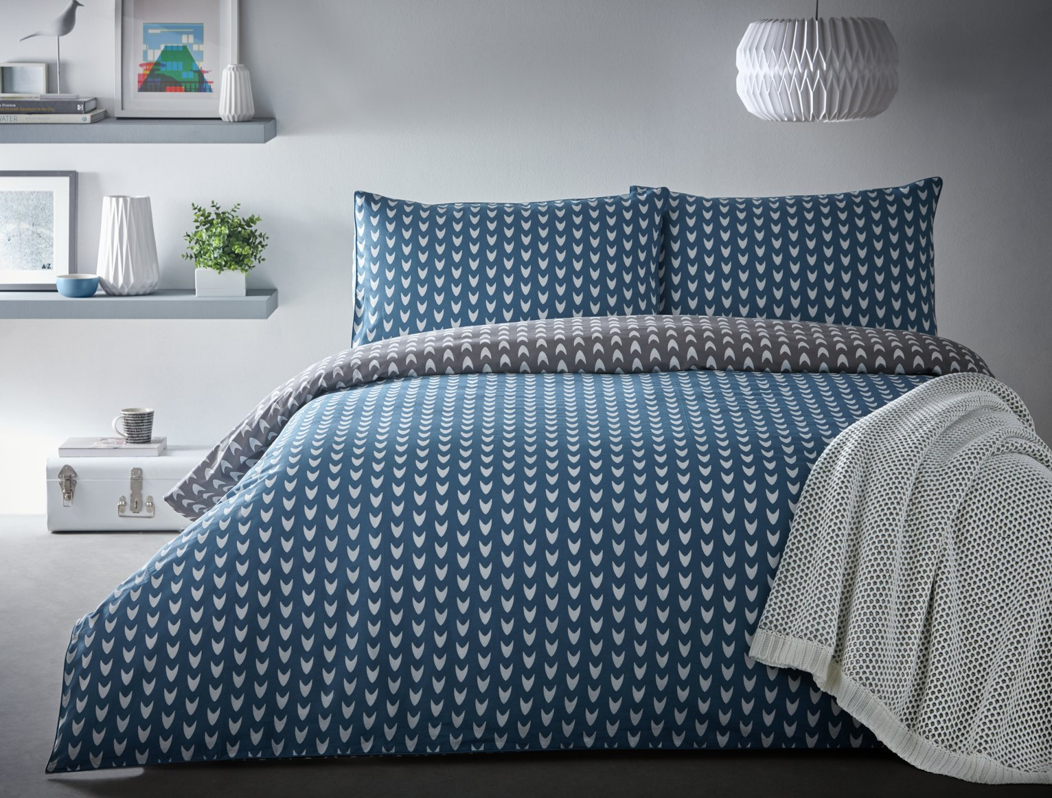 Image of Appletree Dari Blue Bedding Set - Kingsize