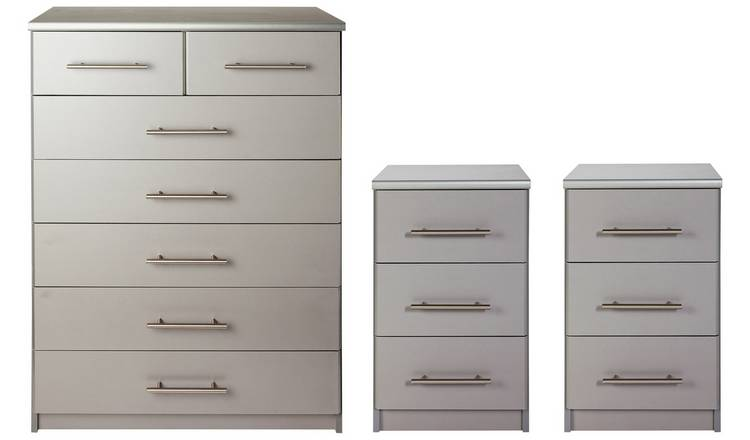 Argos Home Normandy 2 Bedsides & 5+2 Drawer Chest Set - Grey