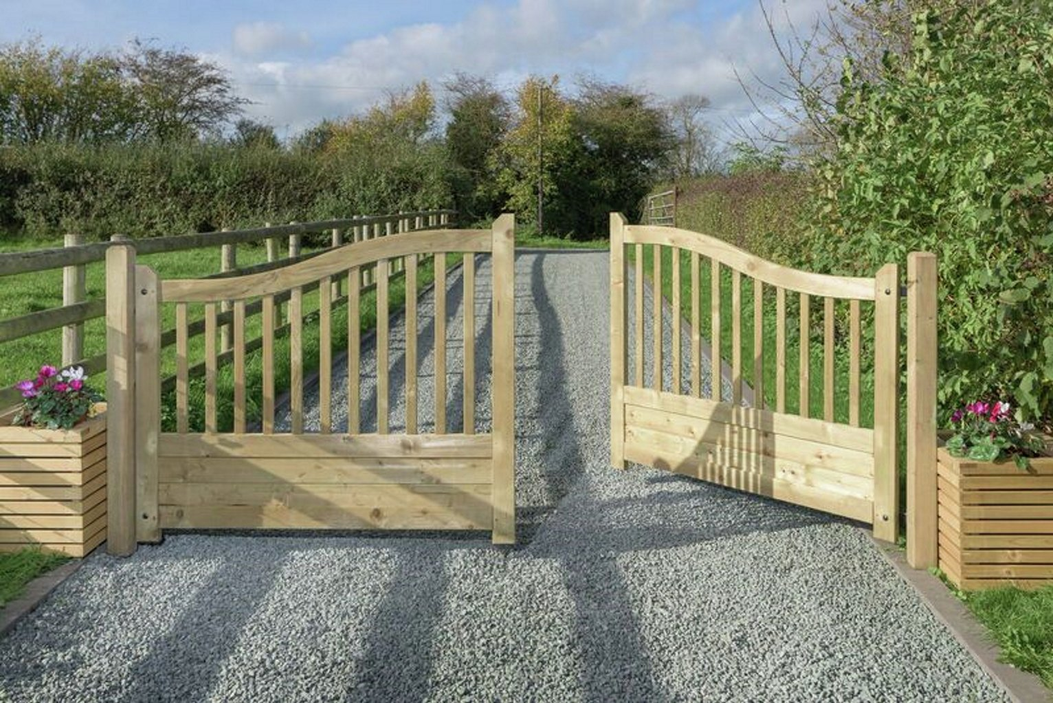 Grange Fencing Omega Infill Driveway Gate