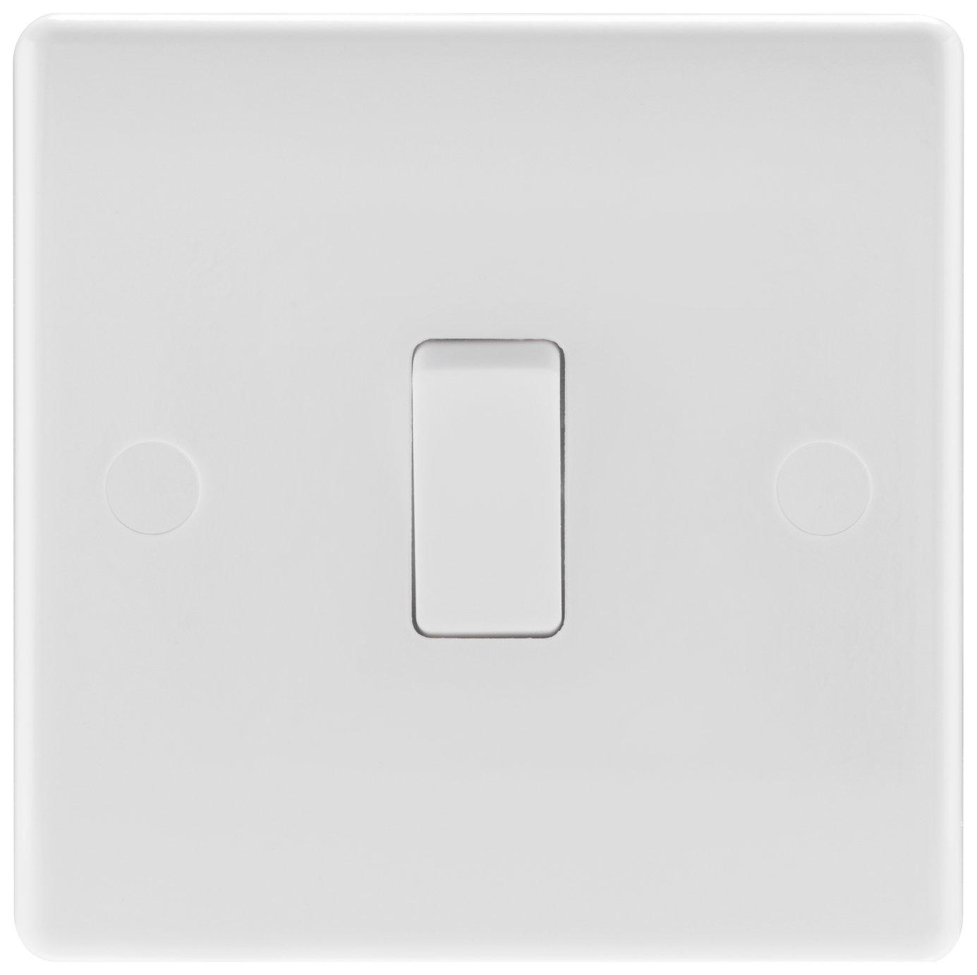 BG Single 2 Way Light Switch - White