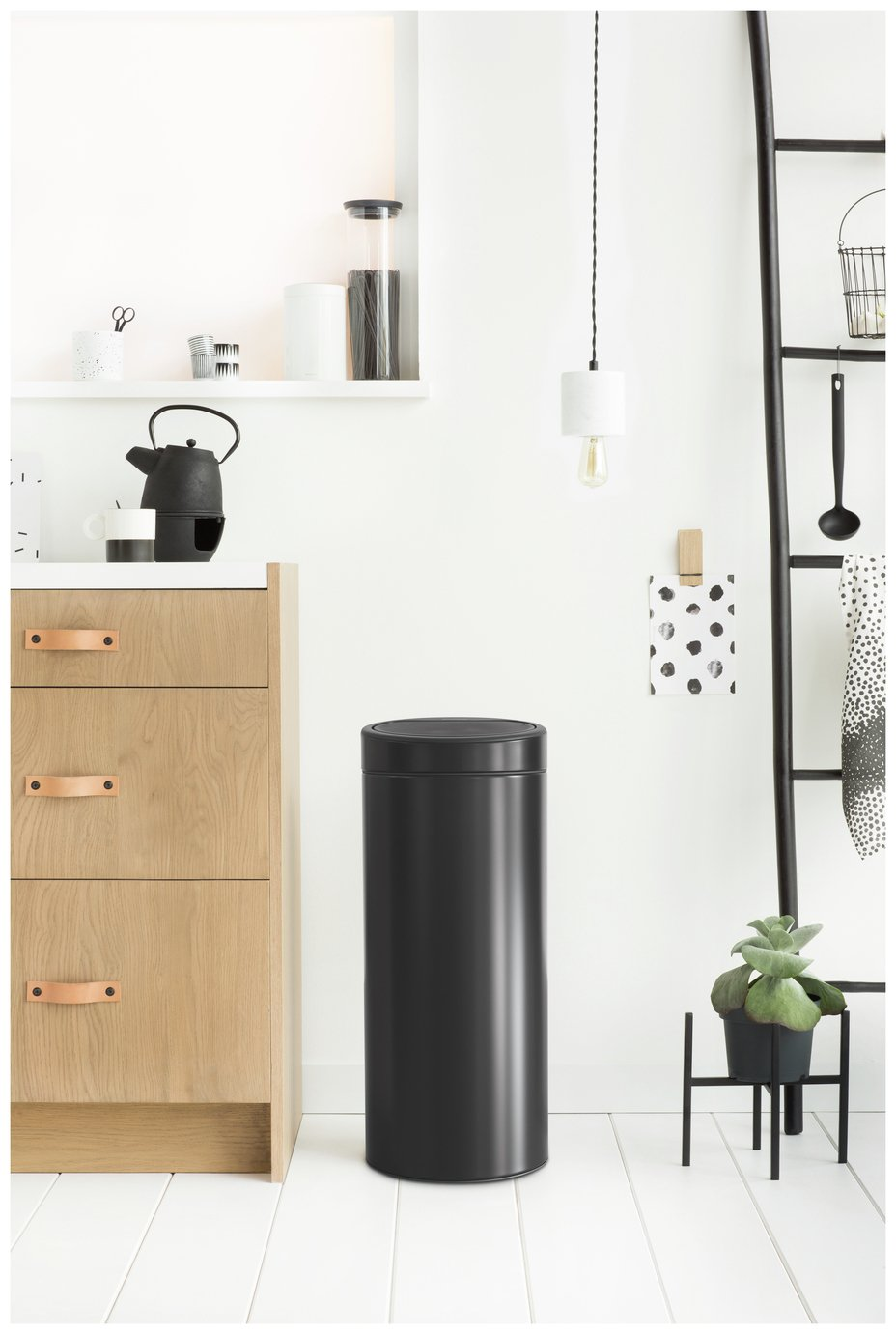 Brabantia 30 Litre Touch Top Kitchen Bin - Black