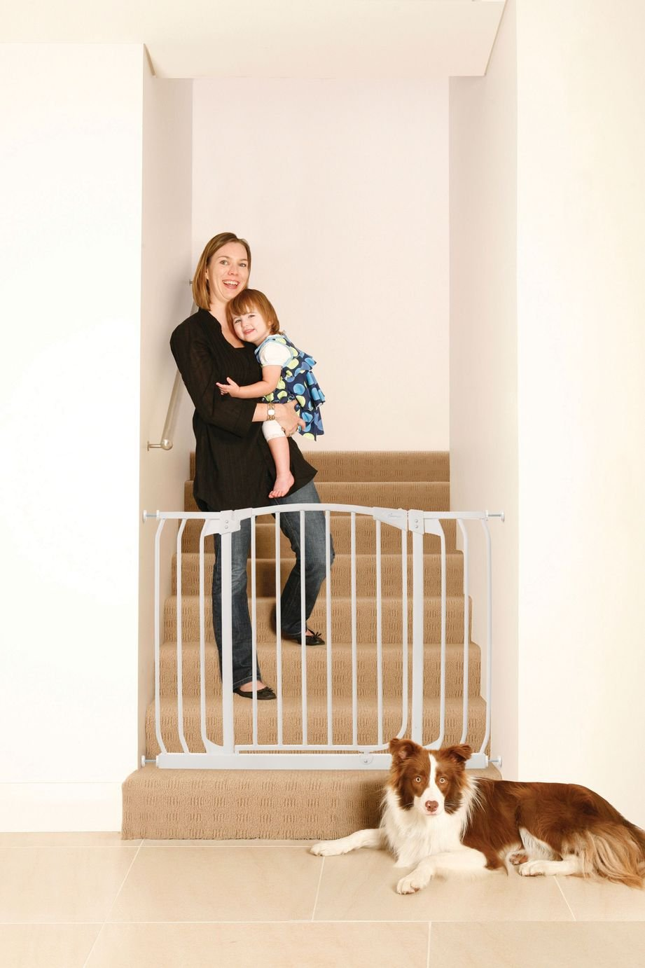 Dreambaby Chelsea Xtra-Wide Hallway Security Gate - White