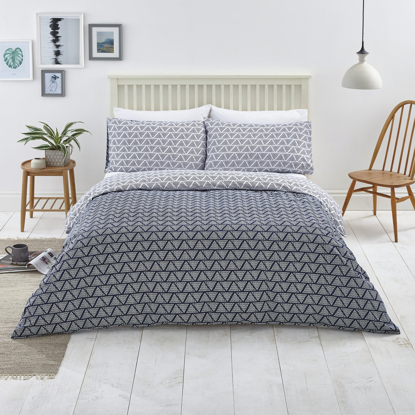 Argos Home Navy Zig Zag and Dot Bedding Set - Double