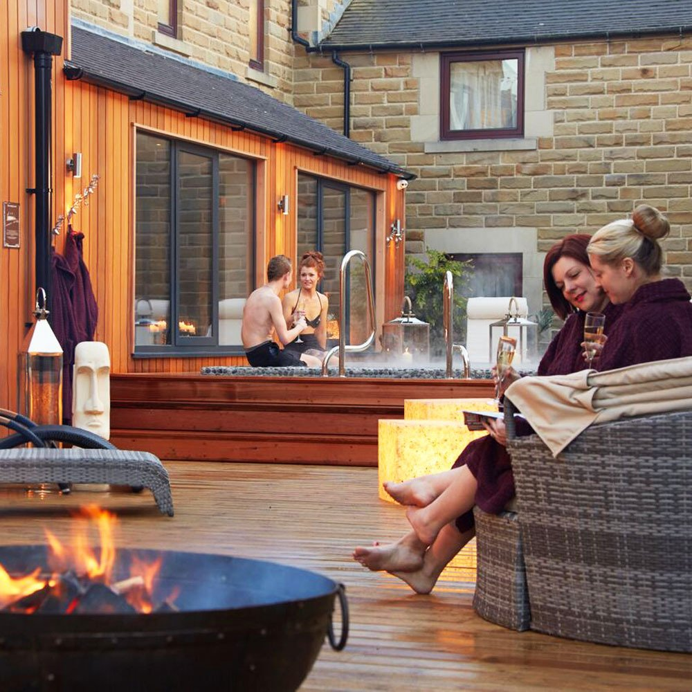 Buyagift Spa Break with Hot Tub For Two - Staffordshire