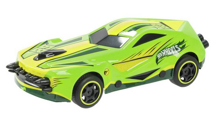 Hot Wheels 1:24 Radio Controlled Car - Green