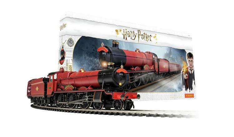 Hornby Hobbies Hogwarts Express Train Set