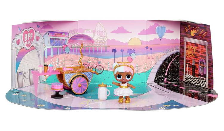 LOL Surprise Furniture Sweet Boardwalk with Sugar Doll