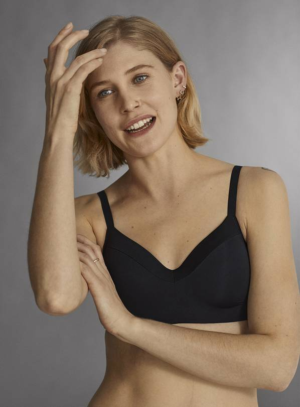 Black & White Smoothing Non-Wired T-Shirt Bra 2 Pack - 32B
