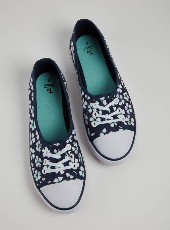 Navy Floral Low Lace Canvas Pumps - 3