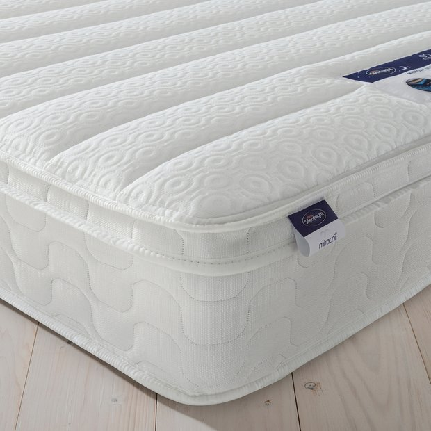 Online Bed Stores: Buy Silentnight Miracoil Travis Cushiontop Single Mattress
