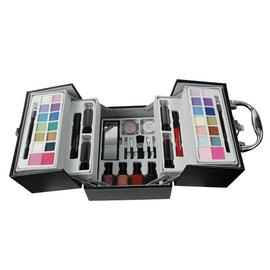 The Color Institute Making Up is Even Easier Make-up Set