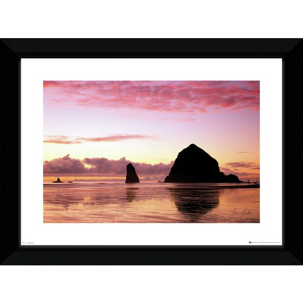 Buy tom mackie islands framed print at your for Where to buy framed art