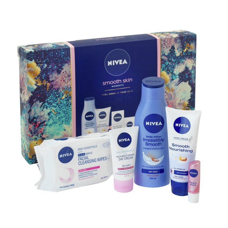 Buy Nivea Smooth Skin Gift Set at Argos.co.uk - Your Online Shop for Bath and body, Make up, skincare and nails, Health and beauty.