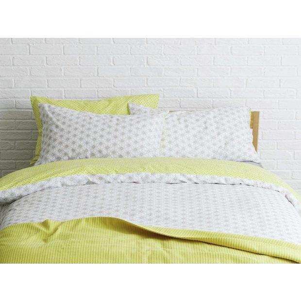 buy habitat ditsy bed linen set double at. Black Bedroom Furniture Sets. Home Design Ideas