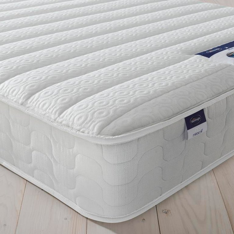 Buy Silentnight Hatfield Memory Foam Double Mattress at Argos.co.uk - Your Online Shop for Mattresses, Bedroom furniture, Home and garden.