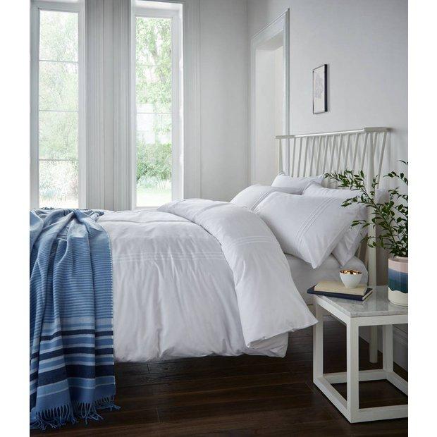 Buy catherine lansfield minimalist white bedding set for Minimalist bedding sets