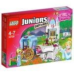 more details on LEGO Juniors Disney Princess Cinderella's Carriage - 10729.
