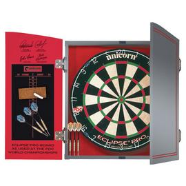 Unicorn World Championship Dartboard, Cabinet & 2 Darts Sets