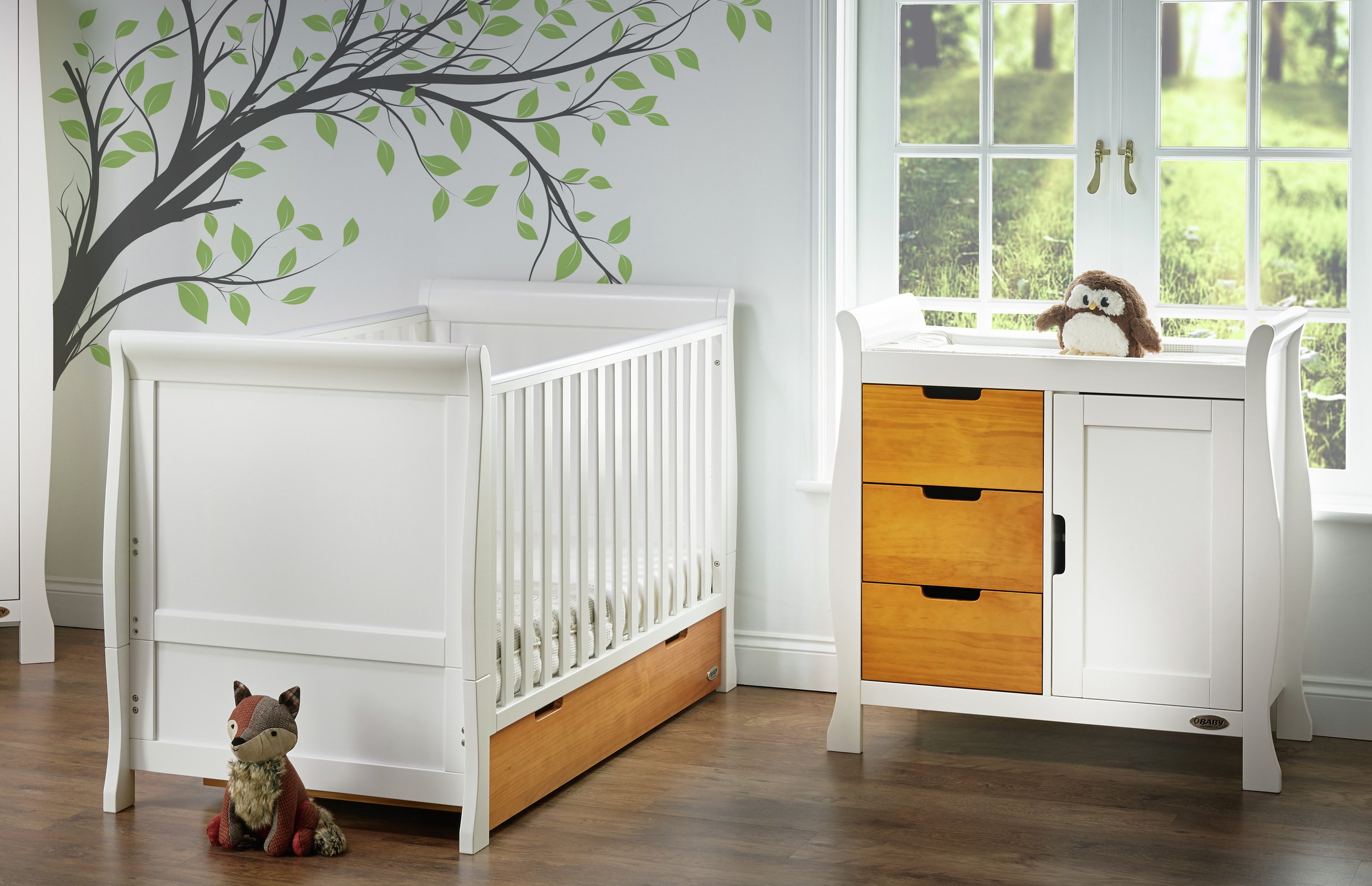 Classic Two Tone 5 Piece Nursery Furniture Set. Obaby Stamford Sleigh 2  Piece Room Set   White With Pine