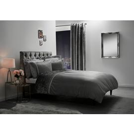 Julian Charles Lia Bedding Set