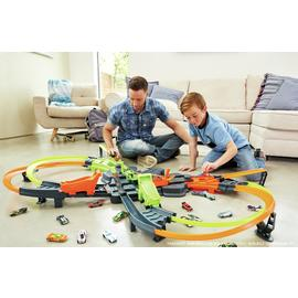 Hot Wheels Colossal Crash Speedway Track Set
