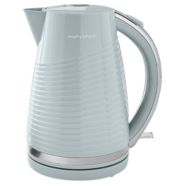 102782 | Morphy Richards Kettle | Red