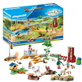 Playmobil 70342 Family Fun Petting Zoo
