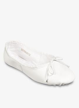 White Ballet Shoes In Mesh Bag