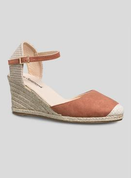 Online Exclusive Tan Closed Toe Wedge Sandal