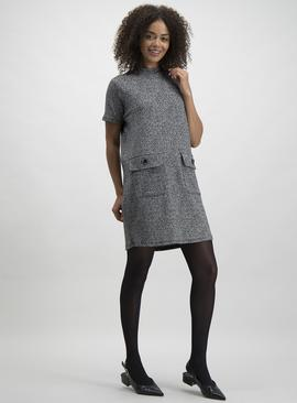 Online Exclusive Monochrome Pocket Detail Shift Dress