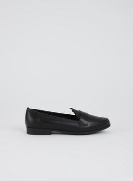 Sole Comfort Black Faux Leather Scallop Edge Loafers