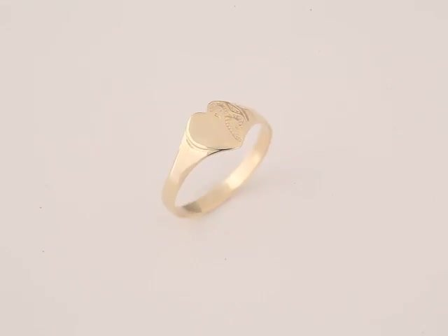 Revere 9ct Gold Maids Signet Ring